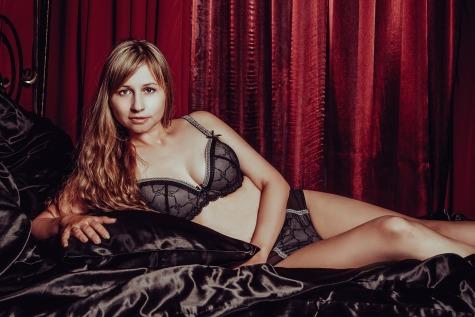 in-lingerie-2969977_1280