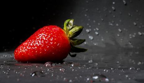 strawberry-2154725_1280